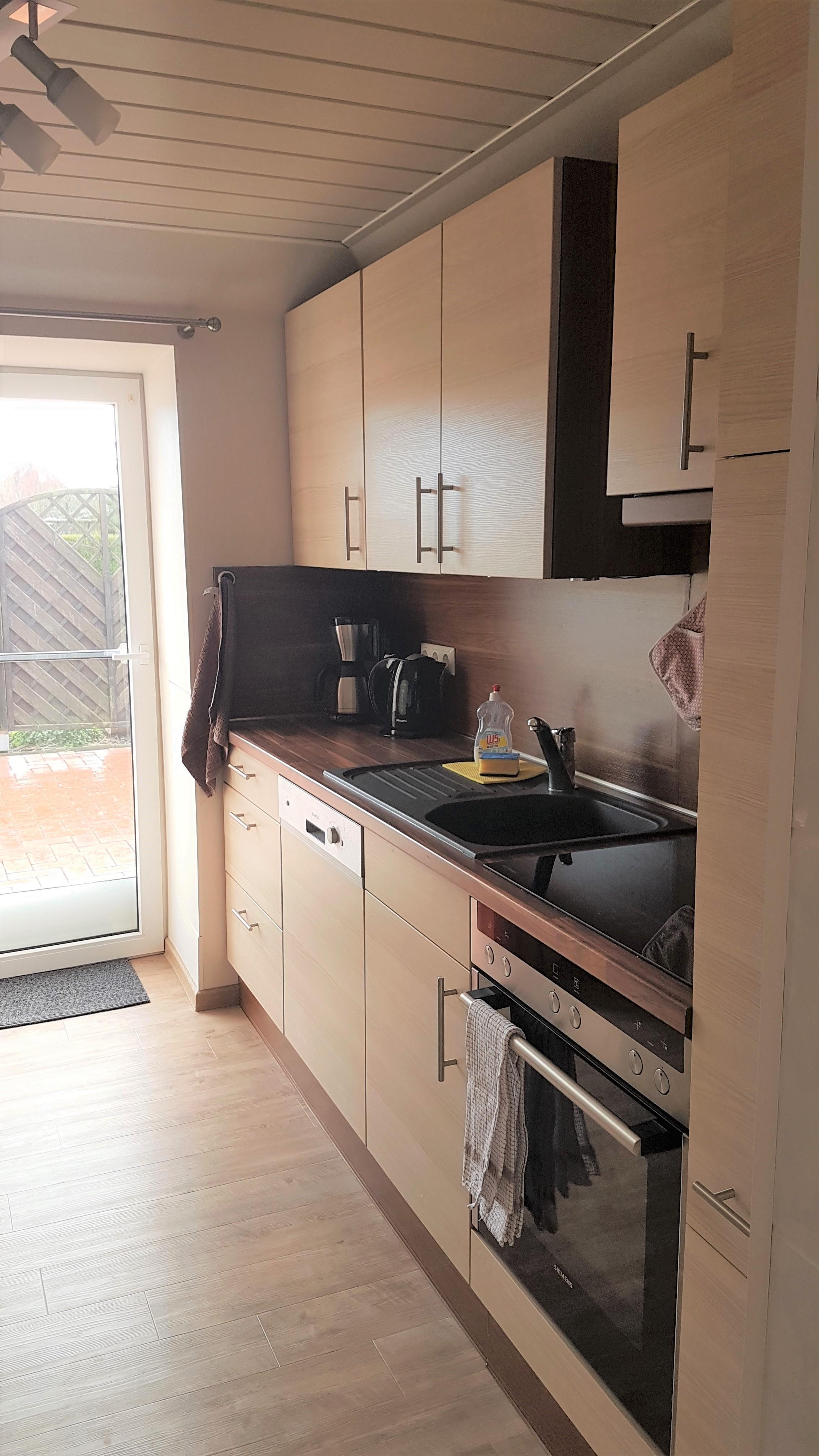 Die Küche der Ferienwohnung Ferienhaus Wattkieker in Emden an der ...